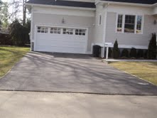 short-asphalt-drive-no-edging-or-apron